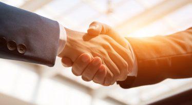 Sharp aumenta su influencia a través de una Joint Venture con NEC